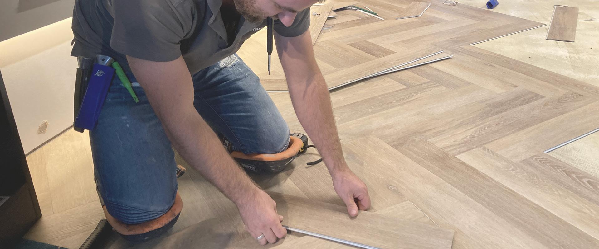 Vloeren laten leggen of doe het zelf